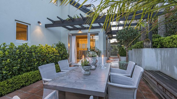 Cullwick Rd in Mission Bay - wide pergola creates an outdoor room