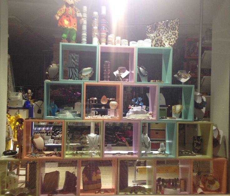 M s de 1000 ideas sobre exhibidores de ropa en pinterest - Catalogo de decoracion ...