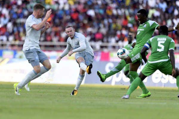 Wayne Rooney đã đặt dấu ấn với một siêu phẩm trong trận ra mắt Everton  Trong trận ra mắt Everton gặp đối thủ Gor Mahia, Wayne Rooney lập siêu phẩm tuyệt đẹp từ cự ly chừng 30 mét. Bàn thắng này đã góp phần giúp The Toffees chiến thắng.