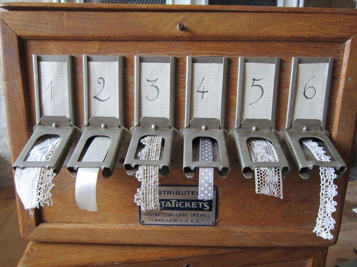 Rototickets détourné en distributeurs de rubans et galons