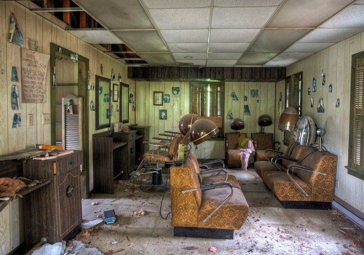 Abandoned hairdressers- Penn Hills, abandoned 'romantic' resort -  Pocono Mountain region of Pennsylvania - This leads to a Tumblr page full of gorgeous urbex photographs. ~J