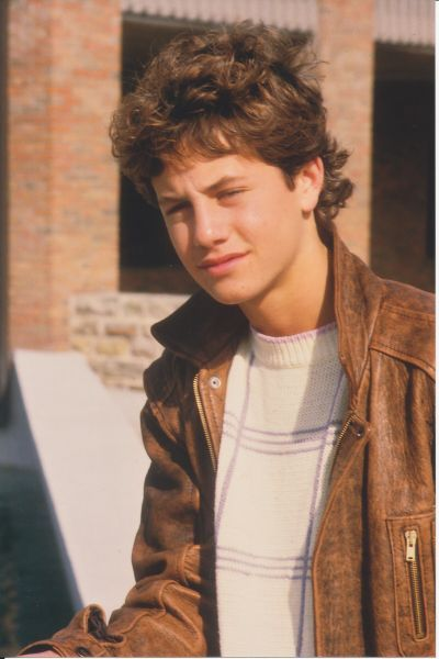 Growing Pains starring Kirk Cameron as Mike Seaver (1985-1992). - loved his bomber jacket so cute : ) childhood crush