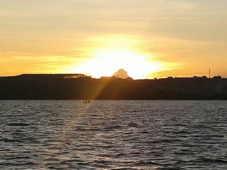 Na imensidão do Rio São Francisco mais um pôr do sol. Muita beleza