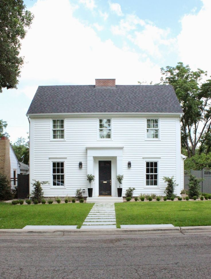 419 best colonial homes salt box houses images on for Modern colonial home exterior