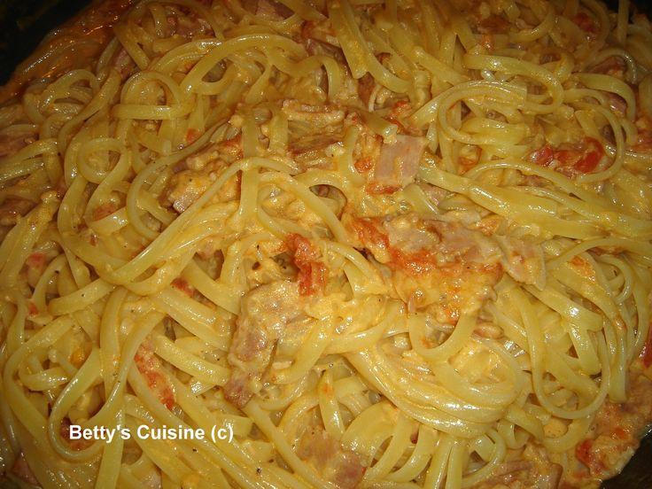 Όπως καταλάβατε από τον τίτλο μόνο light  δεν μπορεί να χαρακτηριστεί τούτη η συνταγή!  Είναι όμως αυτό που λένε οι Άγγλοι comfort  food .....