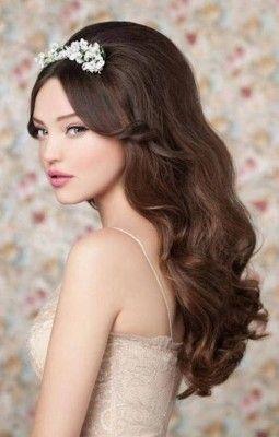 imagenes de peinados para quinceañeras con el cabello suelto