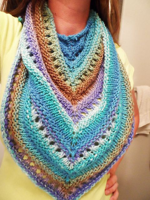 Knitting Patterns For Capes And Shawls : 817 best Knitting Nonsense - Capes, Ponchos, Shawls images on Pinterest Pon...