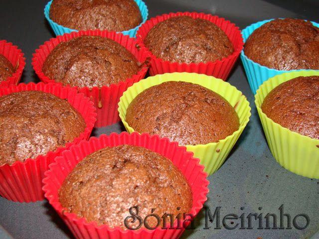 Sónia Meirinho: Queques de chocolate e Bolo de chocolate com côco ...