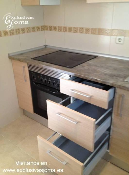 Muebles de cocina a medida con muebles altos extra grandes for Muebles altos de cocina