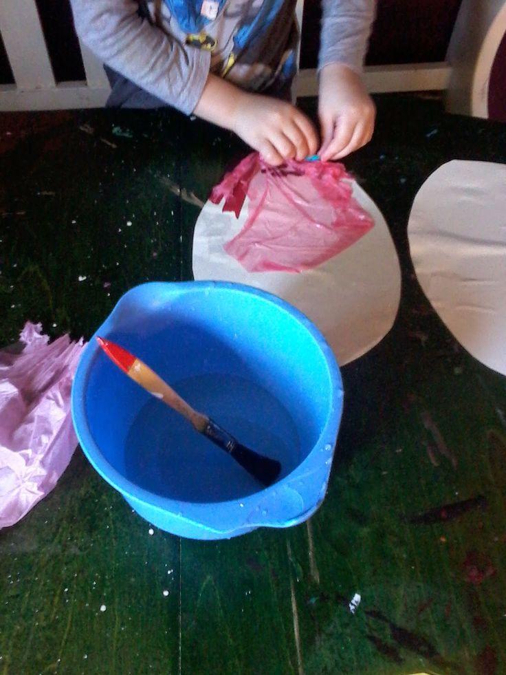 skapa, lek och lär: färgtryck av silkespapper