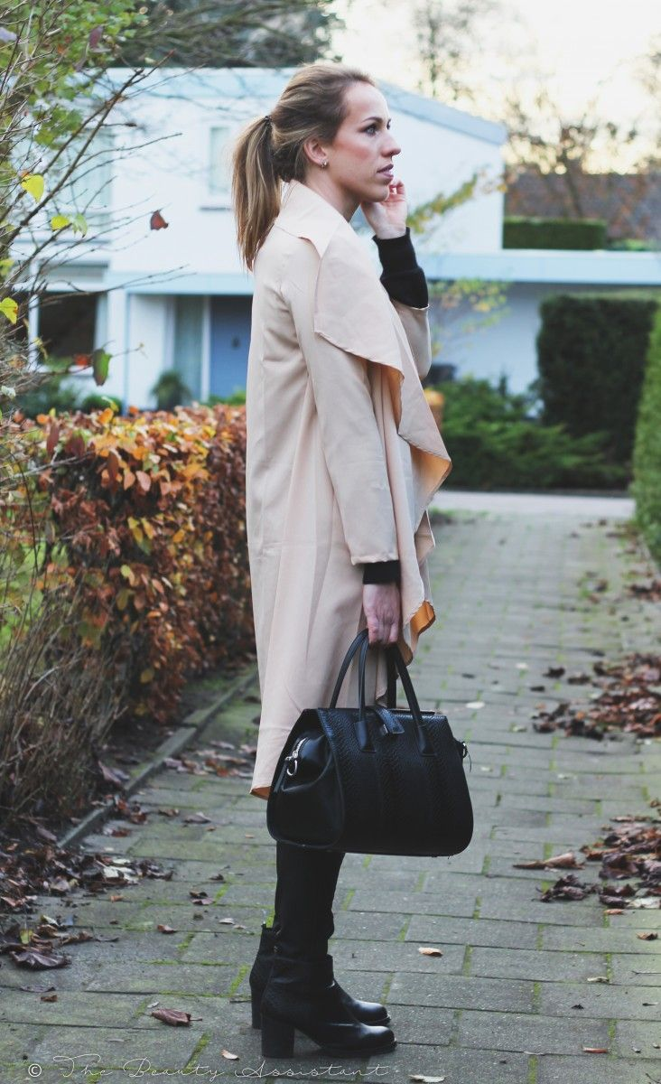Marloes / 2 december 2015Outfit: Camel CapeOutfit: Camel Cape | The Beauty Assistant