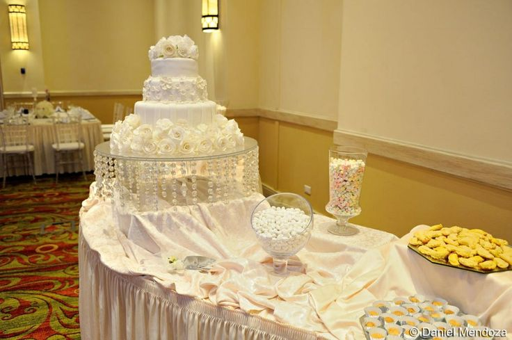 Wedding cake made by Daisy Garcia, just gorgeous