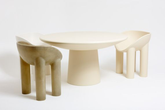 Roly Poly Dining Table 03