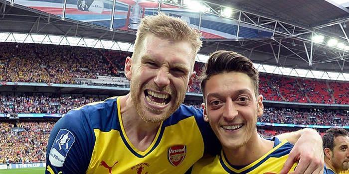 Emotional BFG happy to continue Arsenal journey   Arseblog News - the Arsenal news site