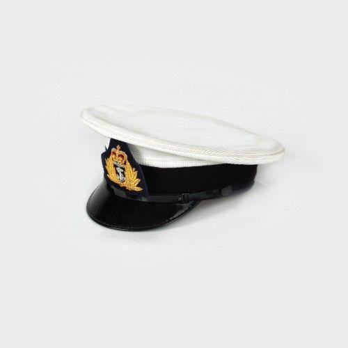 Caschetă de ofițer, Marina Regatului Unit al Marii Britanii și Irlandei de Nord, anii '70 celuloid, carton, fir metalic, cauciuc, d=20 cm Preţ de pornire: € 30