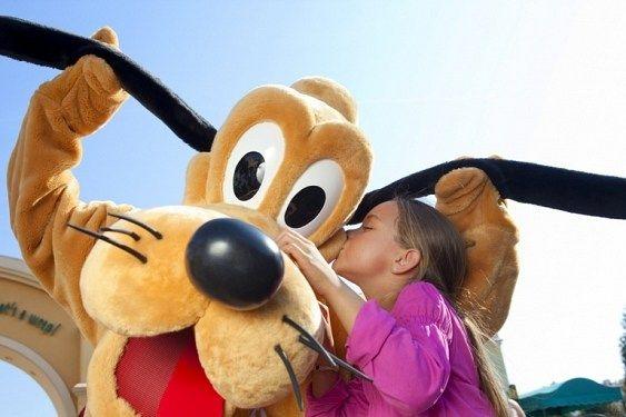 Disneyland Paris VARA 2014 - Hotel Disneyland 5* - GRATUIT pentru copii pana la 12 ani + 15% reducere