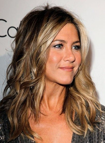 Colored Long Wavy Hair - Jennifer Aniston Hairstyles
