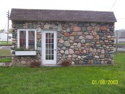 17 best images about stone cottage on pinterest for Building a stone house