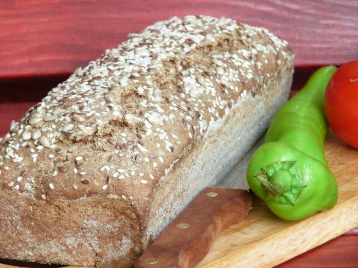 Teljeskiőrlésű kenyér candida diéta alatt is.