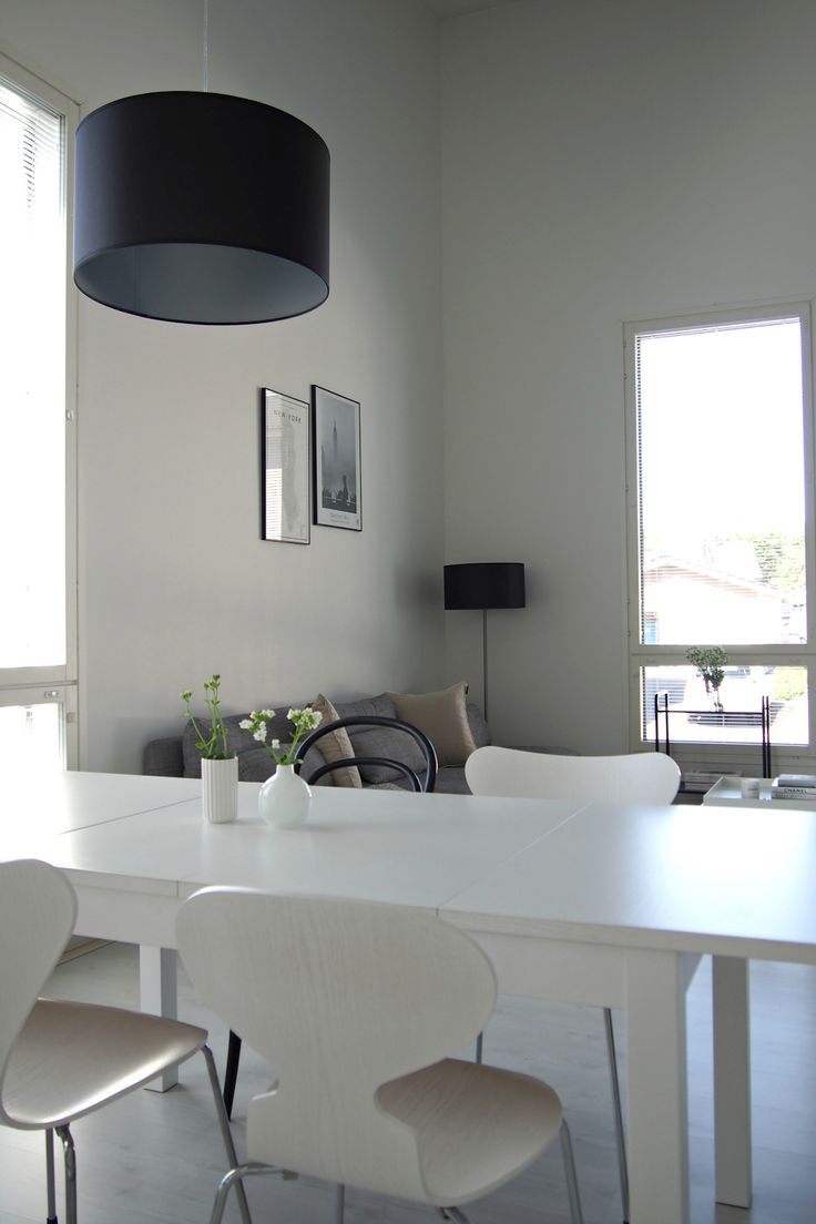 Hannas Home / small decor changes in the livingroom / white minimalism