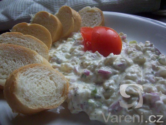 Bílkový salát -
