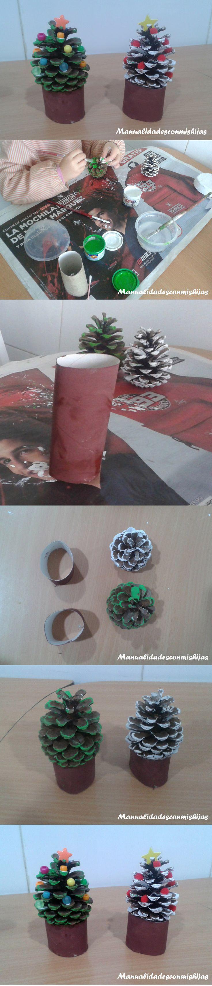 Pinos de navidad hechos con piñas, tubo de cartón del baño y abalorios