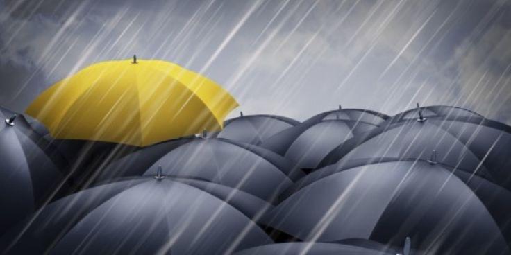 Απίστευτο και όμως ελληνικό: Ανοιξαν ομπρέλες μέσα σε λεωφορείο για να μην βρέχονται – Δείτε ΦΩΤΟ