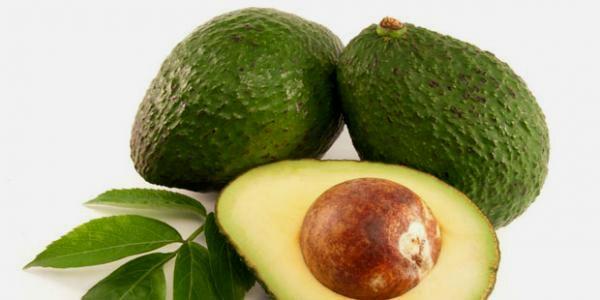 Die Wirkstoffe der Avocado lindern die Hautprobleme bei Neurodermitis