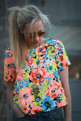 fun, cute and colorful floral top.  coral pink, turquoise blue, chartreuse green