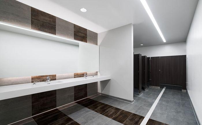AAI_F5_Bathroom_Left