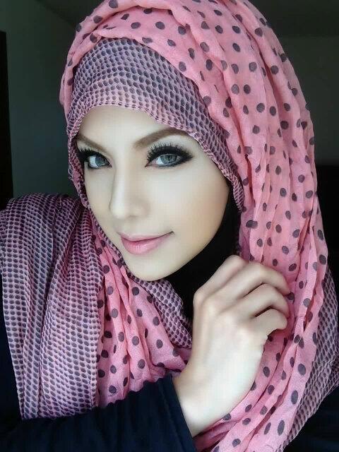 Dietha Putri, versi kapir dan muslimah ! - Extravaganza