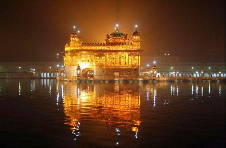 Il Tempio d'Oro, Punjaab, India.