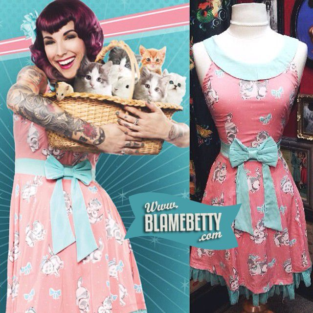 This picture. I just can't even. (the dress too, of course.) :) #blamebetty #pinup #kitties #vintagestyle