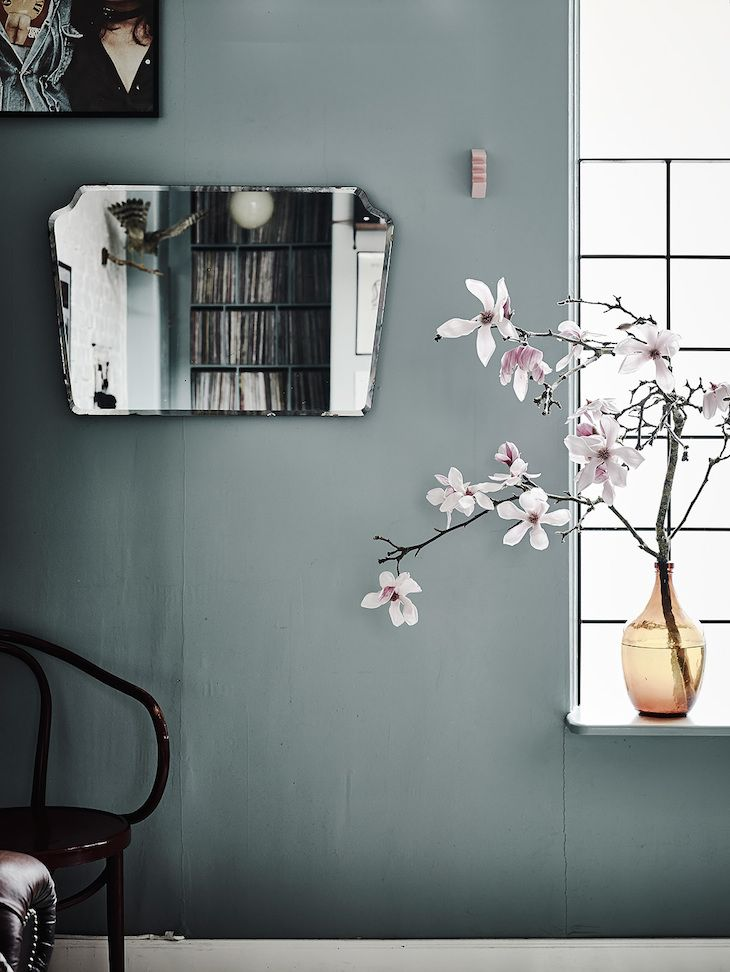 Dreamy mirror/paint/floral combination