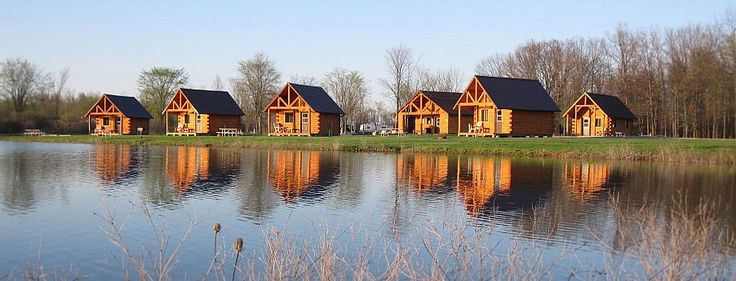 Log Cabin Lodging and Rentals near Niagara Falls NY | Branches of Niagara Campground and Resort