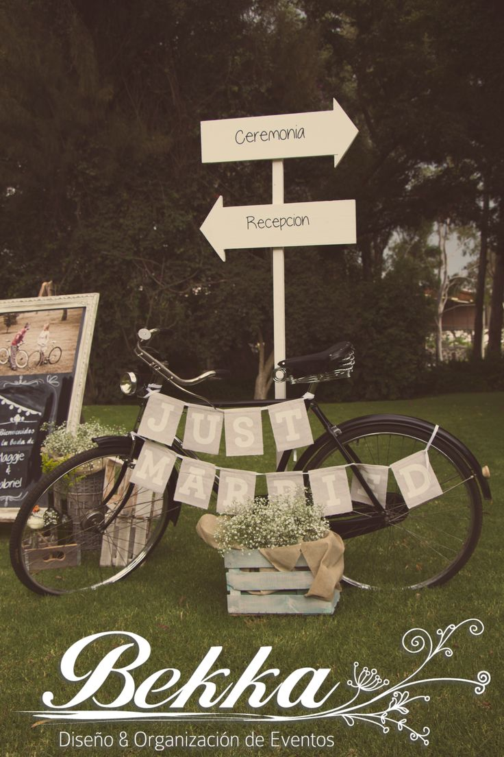 Hermosa decoraci n para bodas vintage una bicicleta for Decoracion bodas