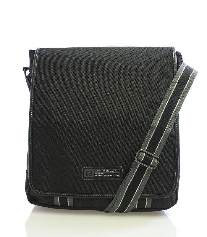 """#enrico #benetti  Taška má polstrovanou přihrádku na tablet s maximálním rozměrem 24 x 24 cm, do tašky se vleze i notebook 13"""". Pod klopou jsou menší kapsy na drobnosti viz foto. Zezadu má taška další kapsu na zip."""