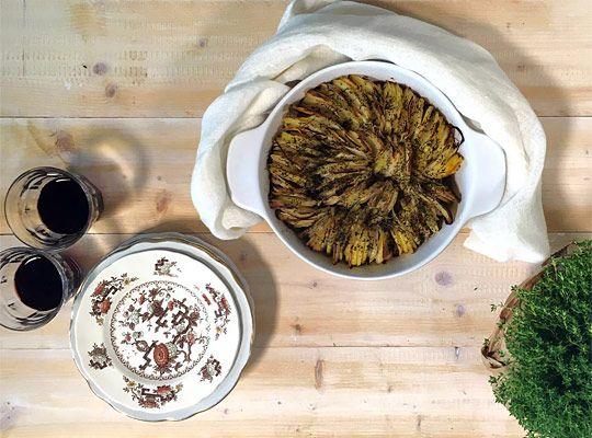 Le patate croccanti al forno sono un piatto semplice e veloce da preparare, una gustosa alternativa al solito contorno di patate che spesso prepariamo