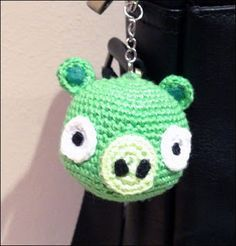 Amigurumi Pig de Angry Birds ~ Patrón Gratis en Español - http://www.artedetei.com/2013/01/amigurumi-pig-de-angry-birds.html