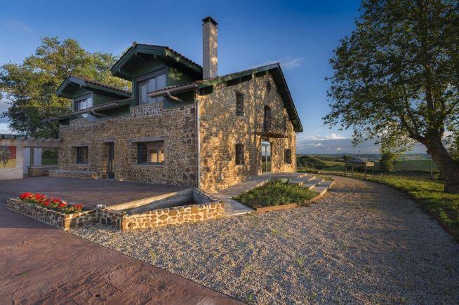 Maison Marie-Louise : Maison d'hôtes de charme en Pays Basque dans les Pyrénées Atlantiques.