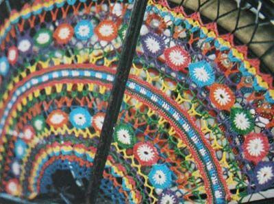 Gratis patroon gehaakte jasbeschermer. (free crochet pattern in Dutch)