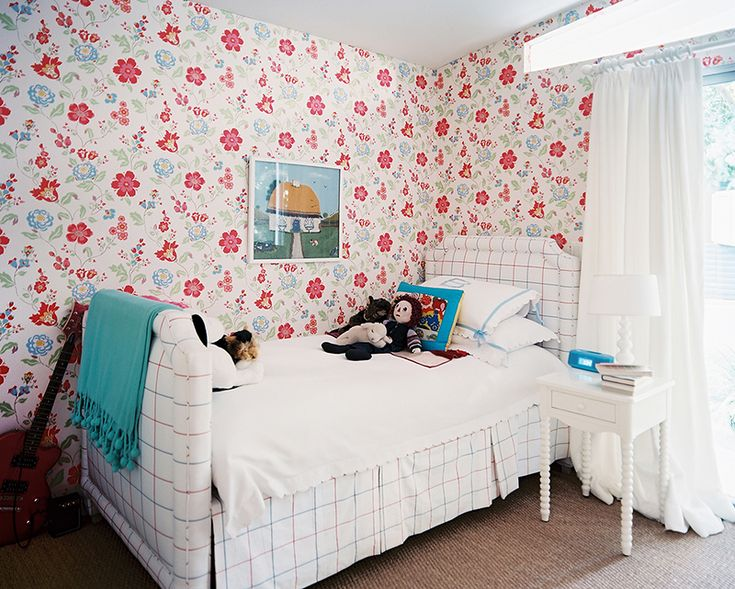 Cath Kidston Floral Wallpaper With Plaid Bed