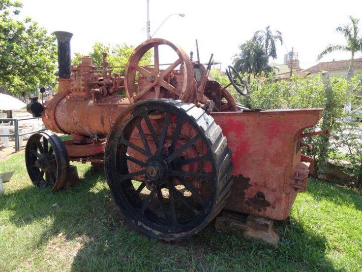 Tratores Antigos: História: O trator mais antigo do Brasil                                                                                                                                                      Mais