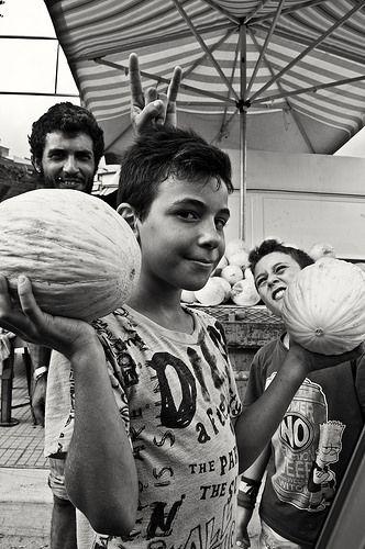 Oggi giochiamo a caricare un tir di meloni...vince chi finisce prima...... | Flickr - Photo Sharing!