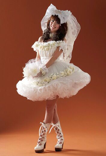Pretty outfits, Outfit and Petticoats on Pinterest