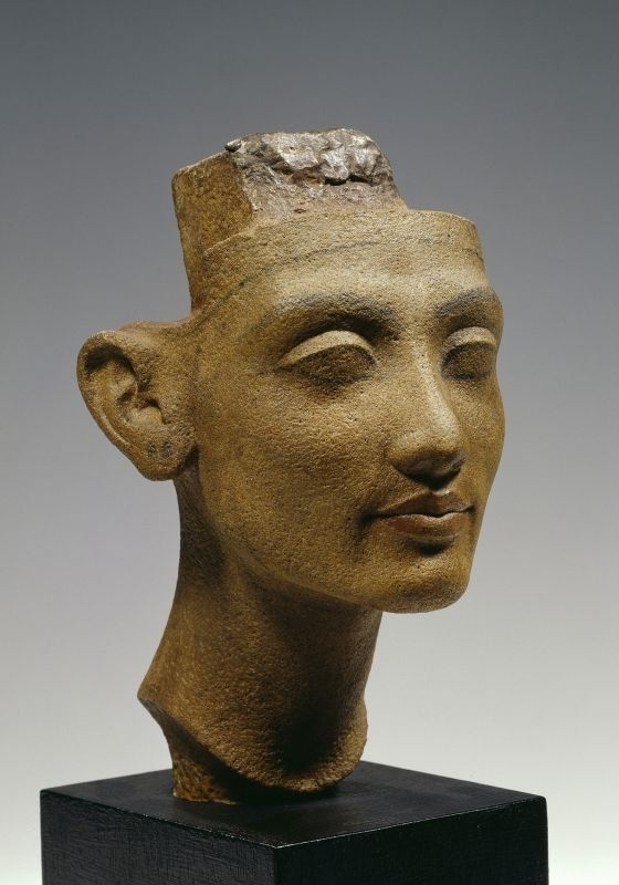 Nefertiti - Head of a Statue of a Queen - New Kingdom, Dynasty 18, ca. 1340 BC Quartzite, Amarna, Height 30 cm