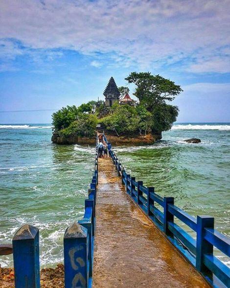 ...Balekambang, Malang, Indonesia.