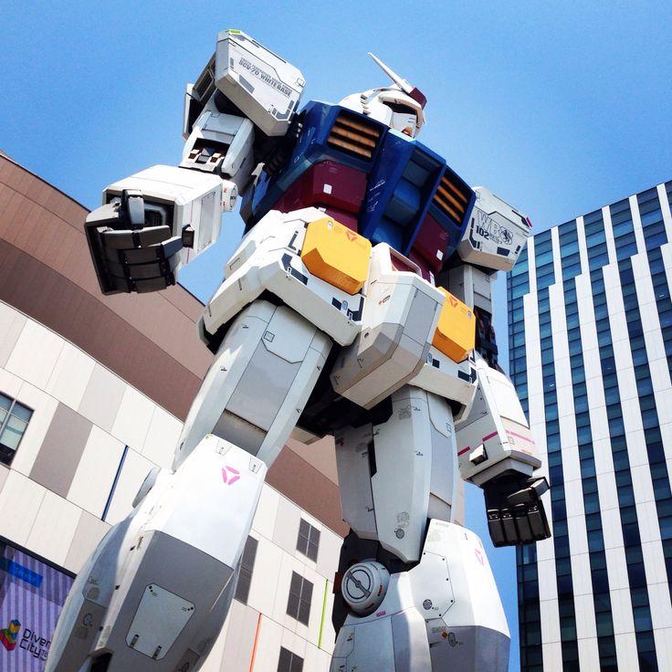 Gundam robot in Tokyo