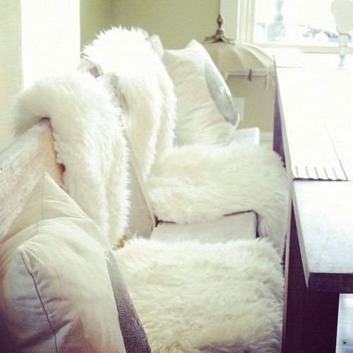 Top 30 ideas about sheepskin rugs on pinterest posts for Lambskin rug ikea