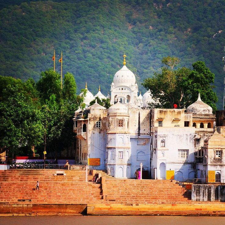 Create Your Trip Plan - www.TripJinnee.com  #ancient #pushkar #wordheritage #heritage #Architecture #rajasthan #india #travel #hindu #temple #incredibleindia #rajasthantravel #travel #rajasthantourism  #building